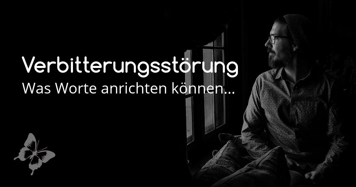 Verbitterungsstoerung - Trauriger Mann in dunklem Raum
